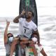 """""""Todo dia orei às 3h, pedi a Deus"""", diz surfista brasileiro medalha de ouro no Japão"""