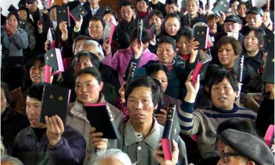 China oferece dinheiro para quem denunciar vizinhos cristãos em cultos domésticos